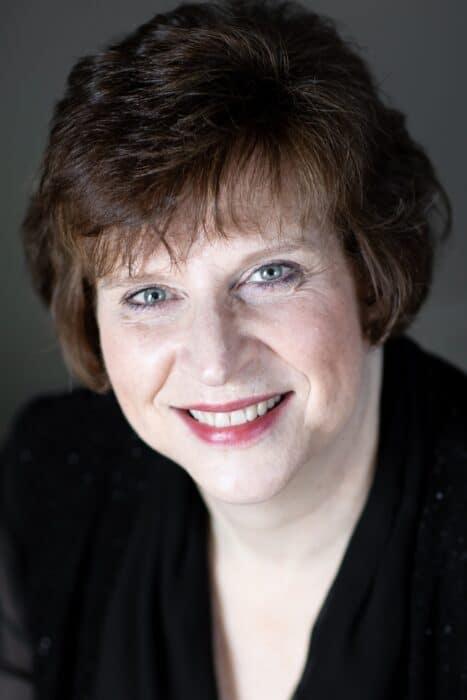 Susan-Medley-favorite-small-cropped-headshot-2019
