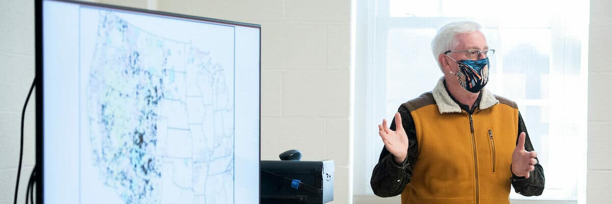 Bob East, Ph.D., associate professor and director of the environmental studies program, teaches a First Year Seminar course in Dieter-Porter Hall November 2, 2020 on the campus of Washington & Jefferson College.